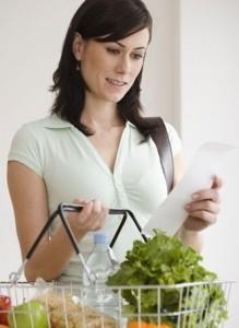 В статье даны исчерпывающие советы касаемо экономии на продуктах питания.